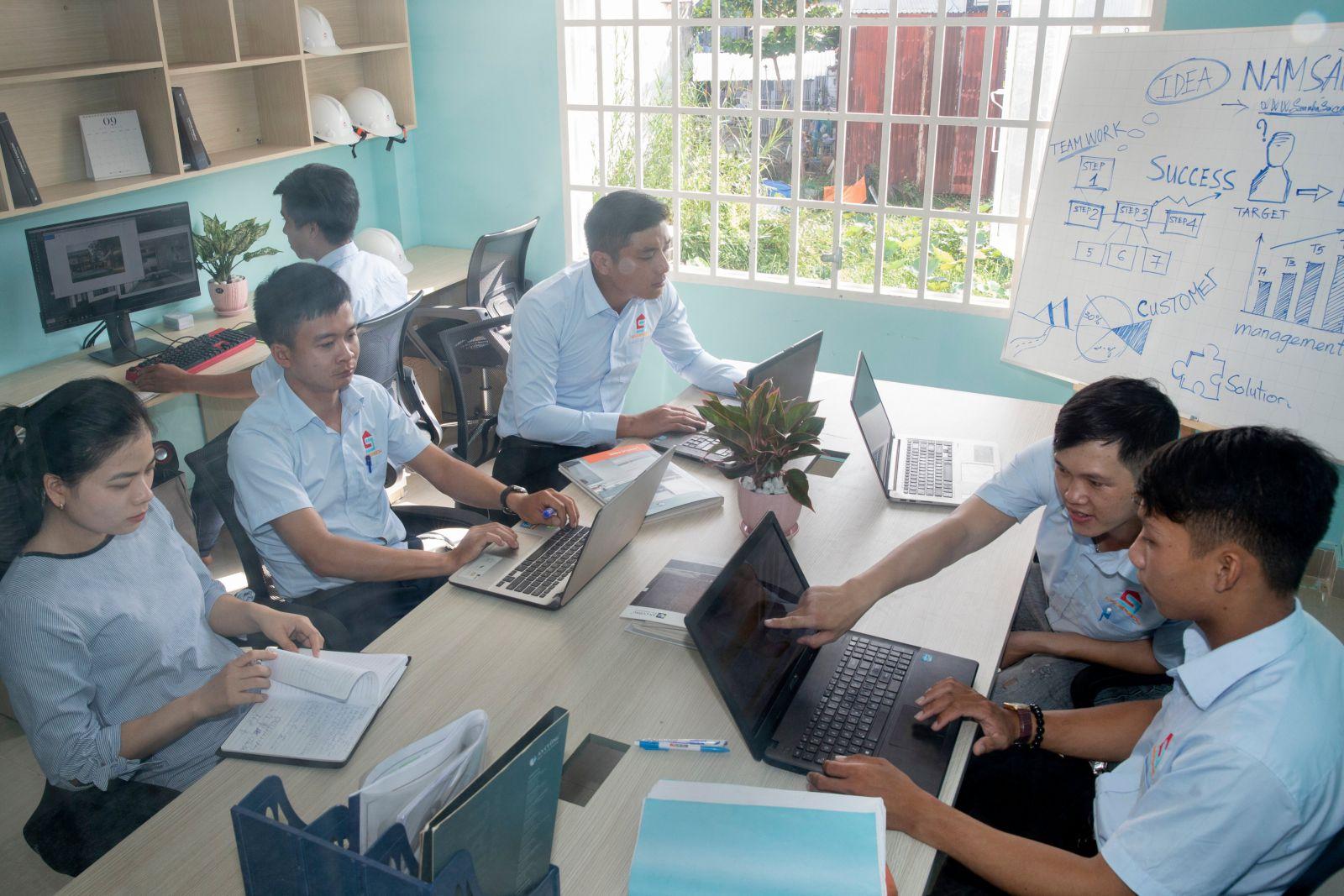 Đội ngũ kỹ sư Nam Sài Gòn