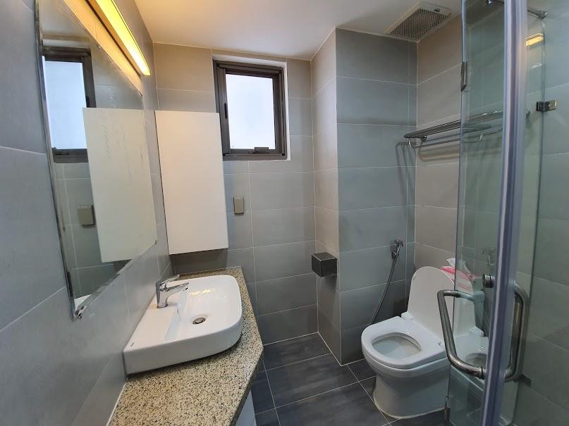 hoàn thành nội thất thiết bị nhà vệ sinh