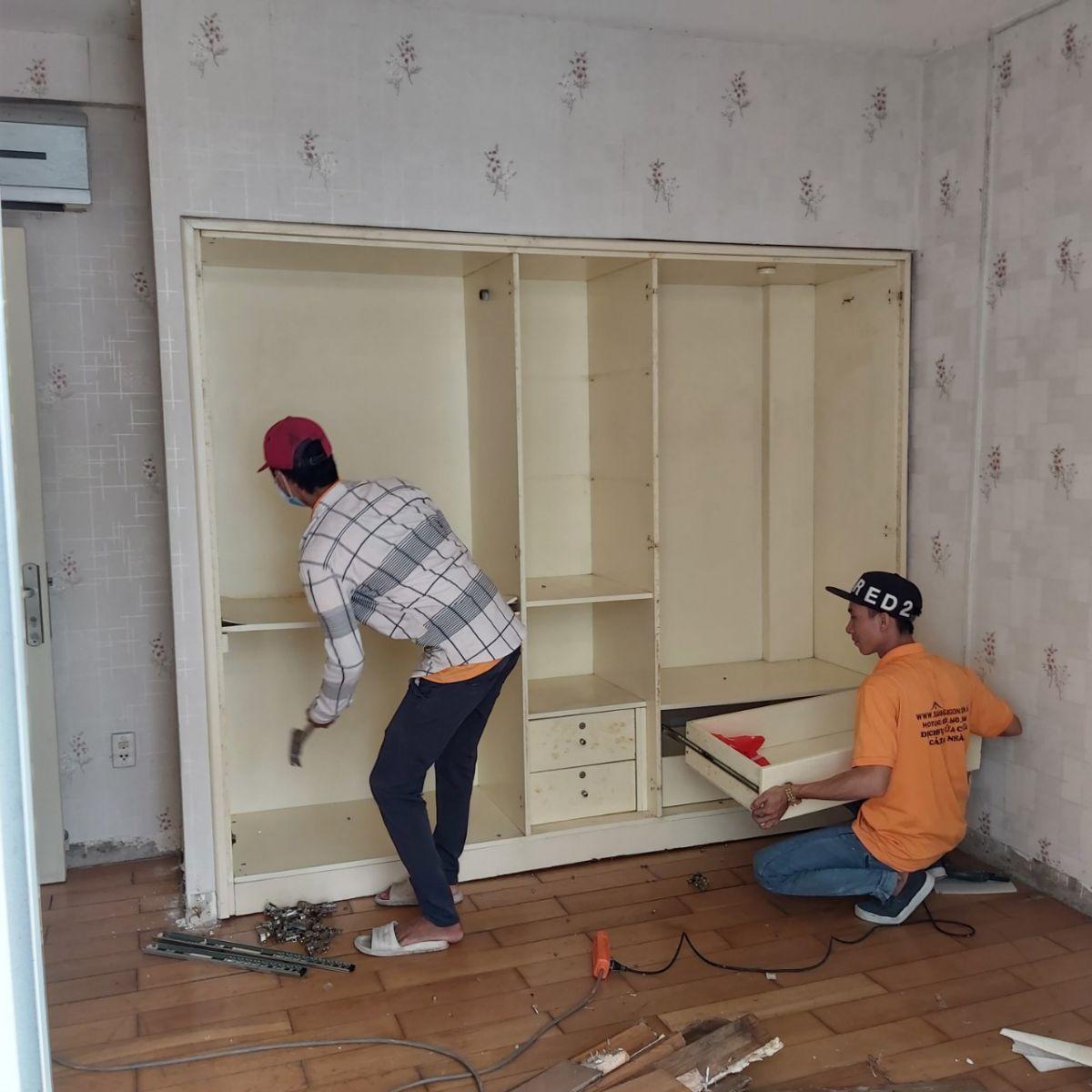 Tiến hành sơn sửa thay mới nội thất